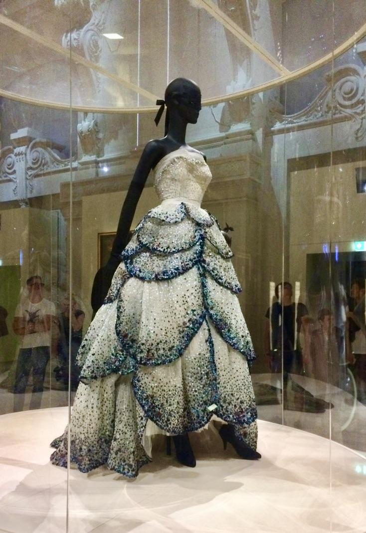 Robe du soir brodées de perles