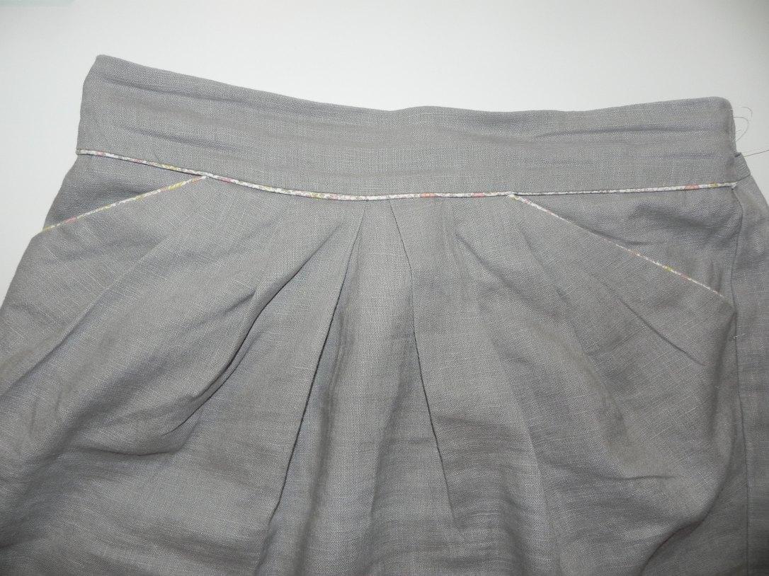 Gros plan jupe 1001 lin devant